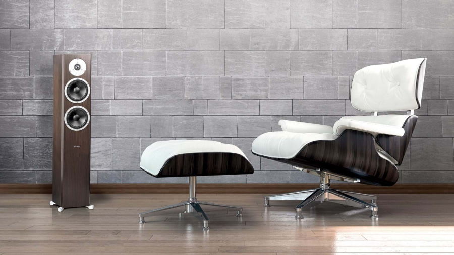 dyn_excite_x34_chair_1800_web.jpg