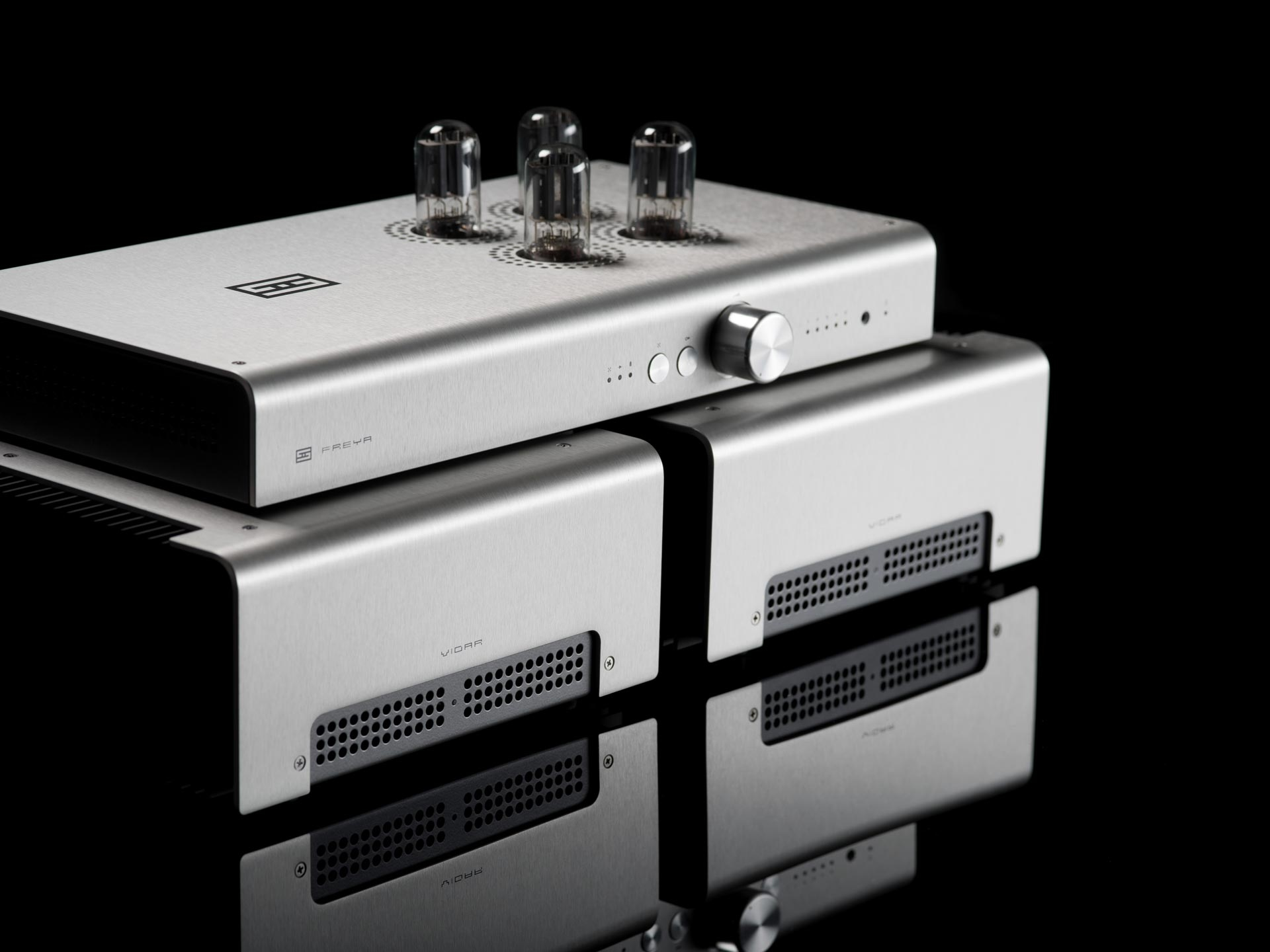 Analog Wednesday: The Pre-amplifier and Amplifier