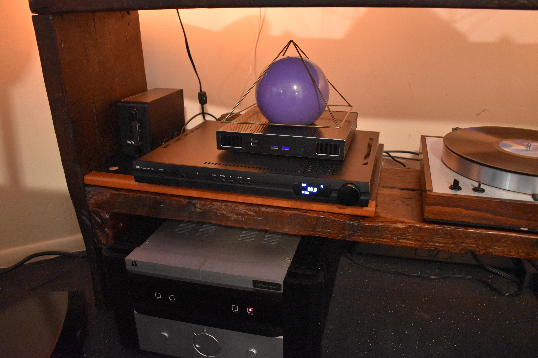 ELAC DDP-2 Streaming DAC - 6 Months Old