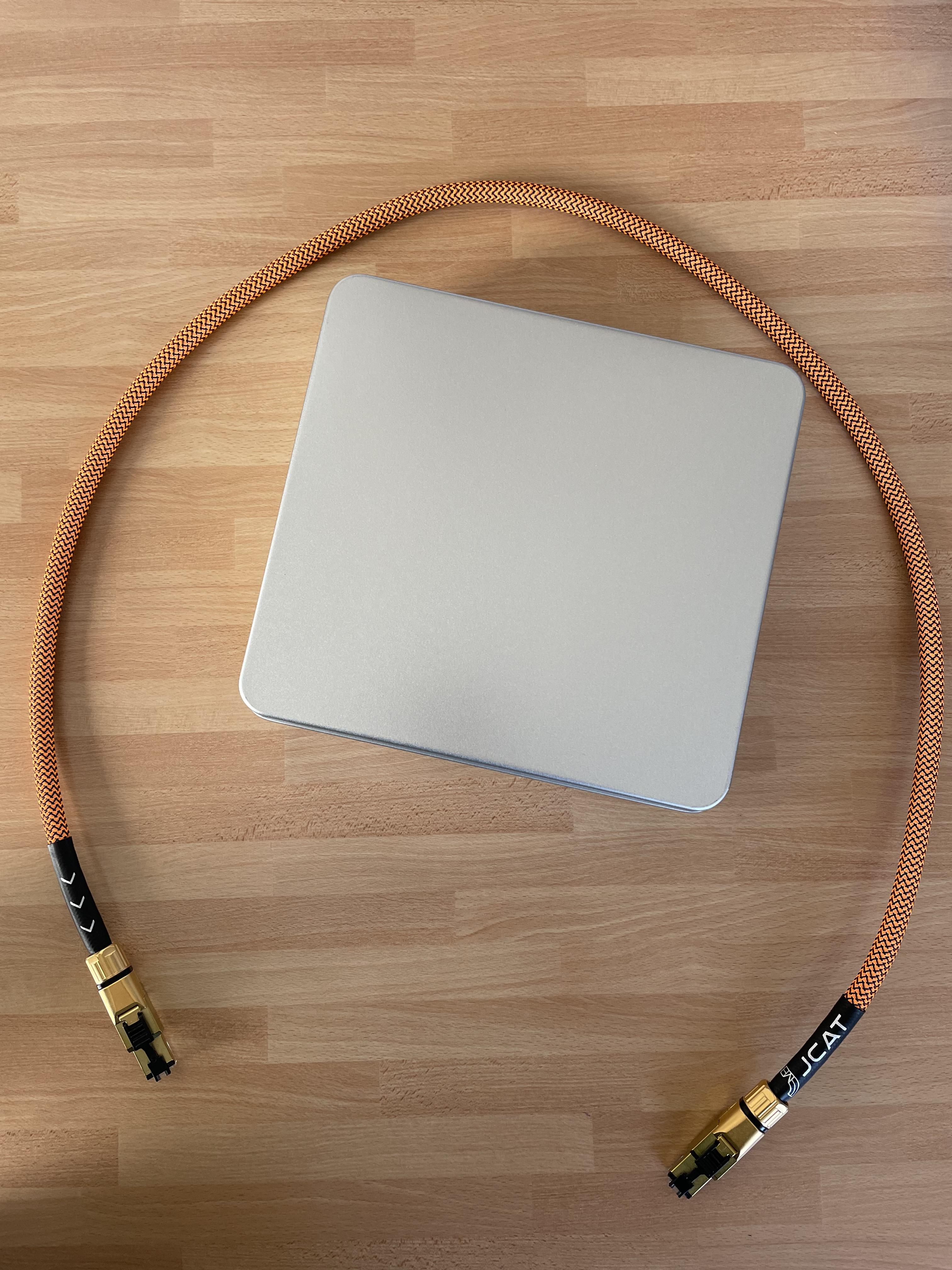 JCAT Signature LAN Cable GOLD