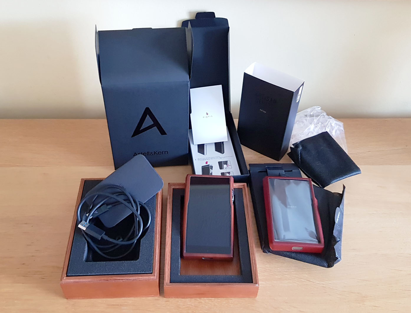 SOLD - Astell&Kern Ultima SP1000 (SS) - Mint with Extras